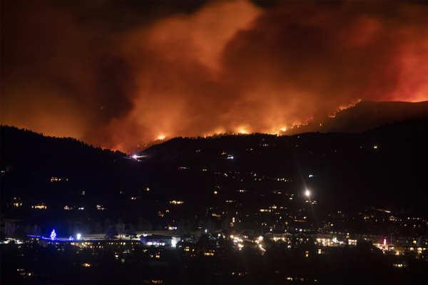 Wildfires wreak havoc in Colorado