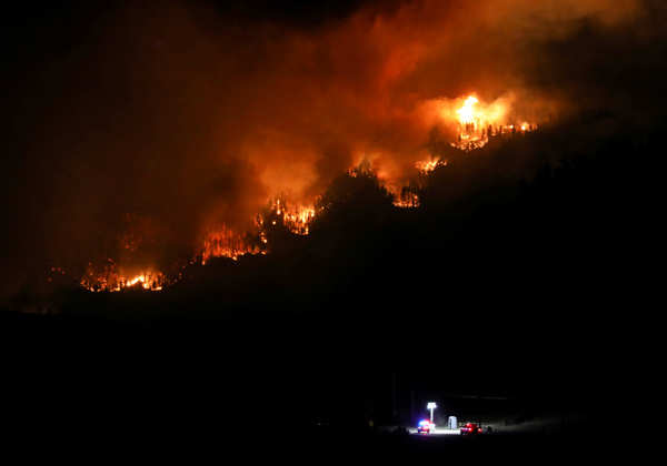 Wildfires wreak havoc in Colorado