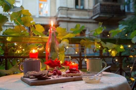 romantic-balcony16