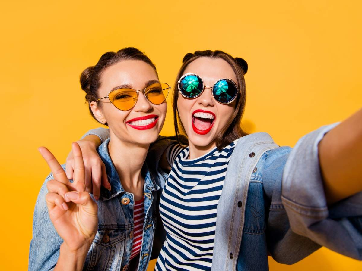 These zodiac signs are best friends for life
