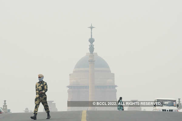 Delhi chokes on 'severe' smog as farm fires soar