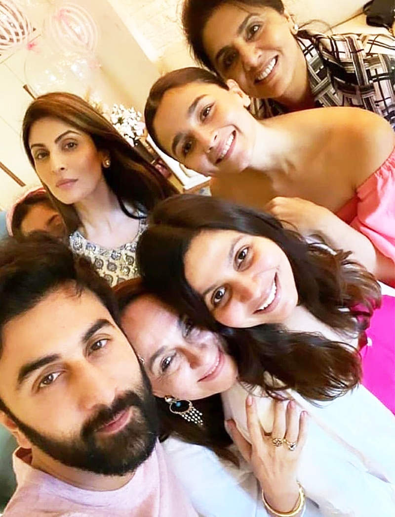 This is how Ranbir Kapoor and Alia Bhatt made Soni Razdan's birthday special