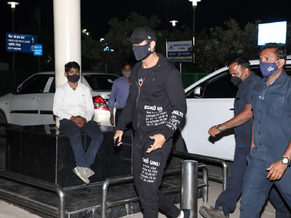 John Abraham was spotted at the Lucknow airport on Tuesday morning (BCCL/ Aditya Yadav)
