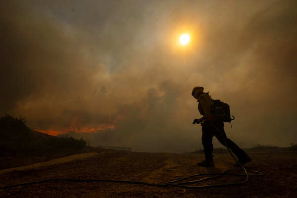 Silverado wildfire forces thousands to evacuate in California