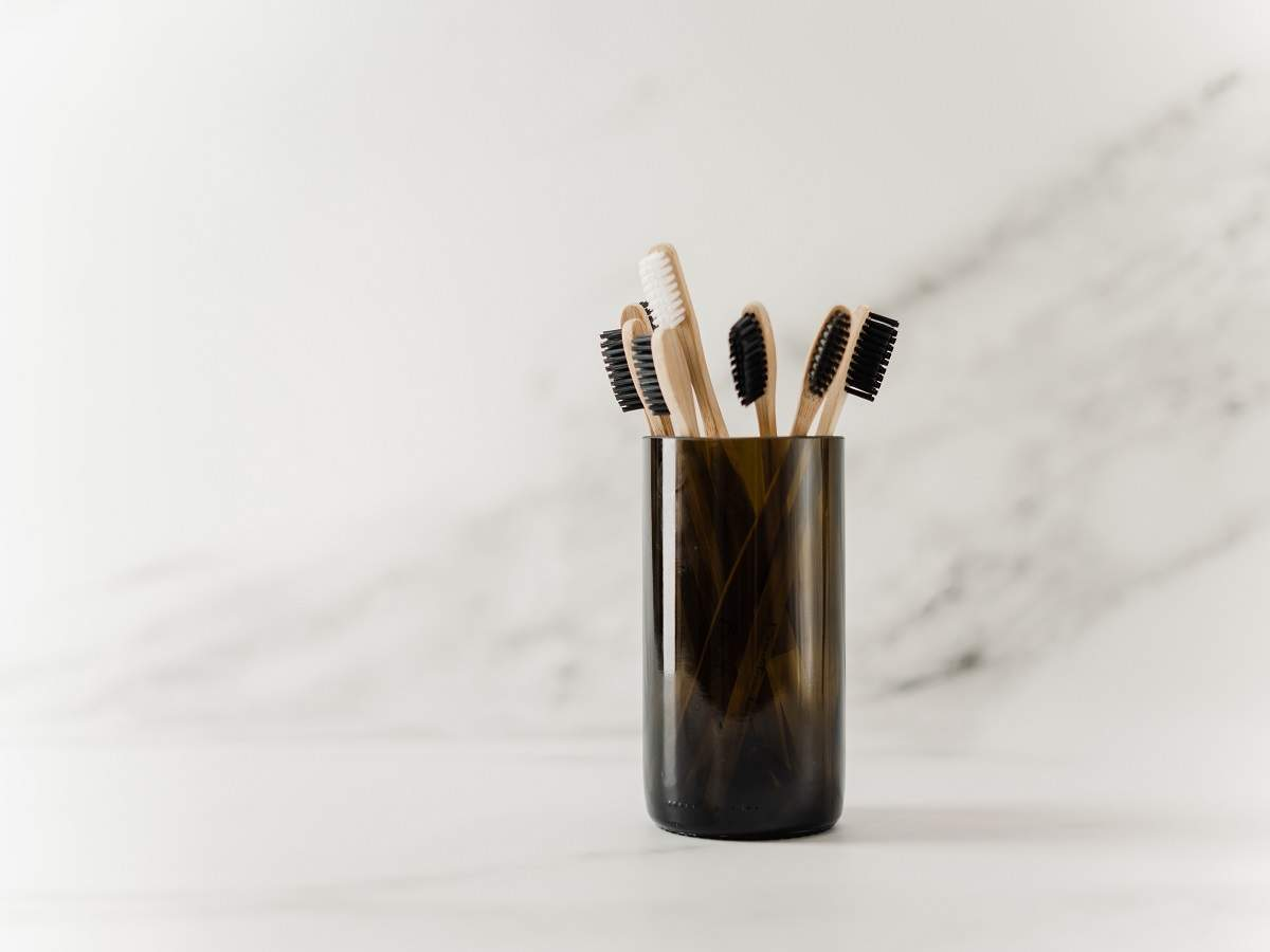 Charcoal toothbrushes for effectively cleaning your teeth