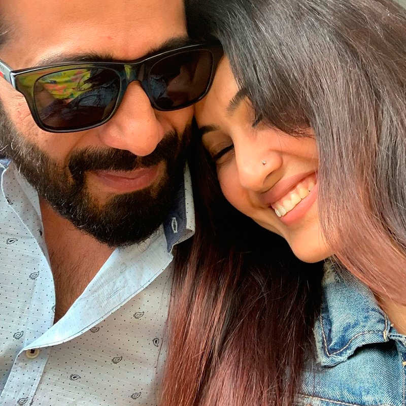 Kamya Panjabi celebrates hubby Shalabh Dang's birthday, shares a romantic picture