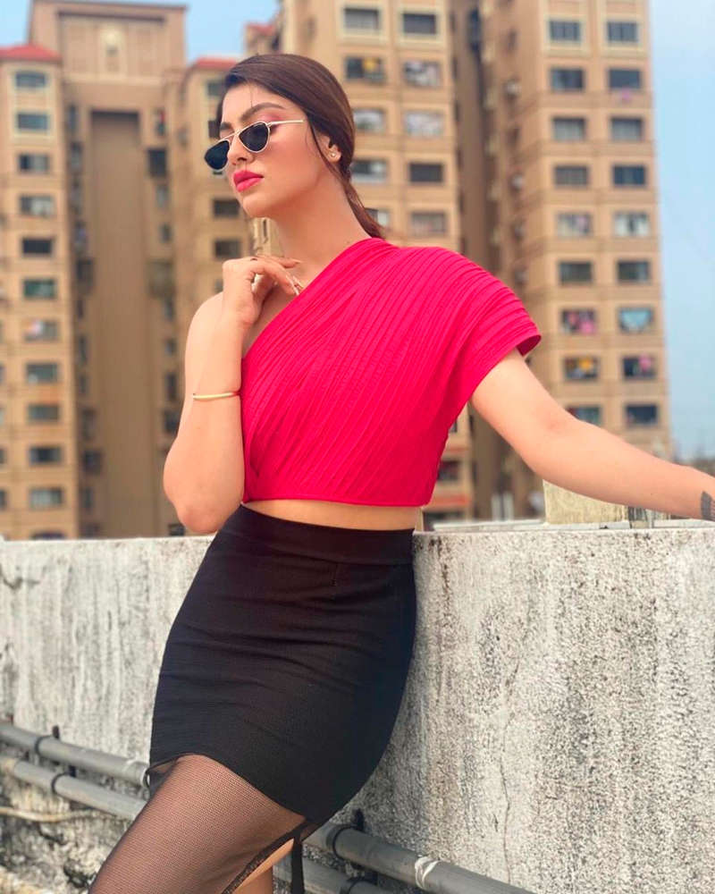 Gorgeous pictures of former Bigg Boss 13 contestant Paras Chhabra's ex-girlfriend Akanksha Puri