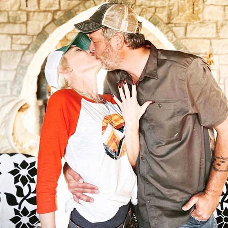 'Voice' co-stars Blake Shelton and Gwen Stefani announce their engagement with an adorable picture