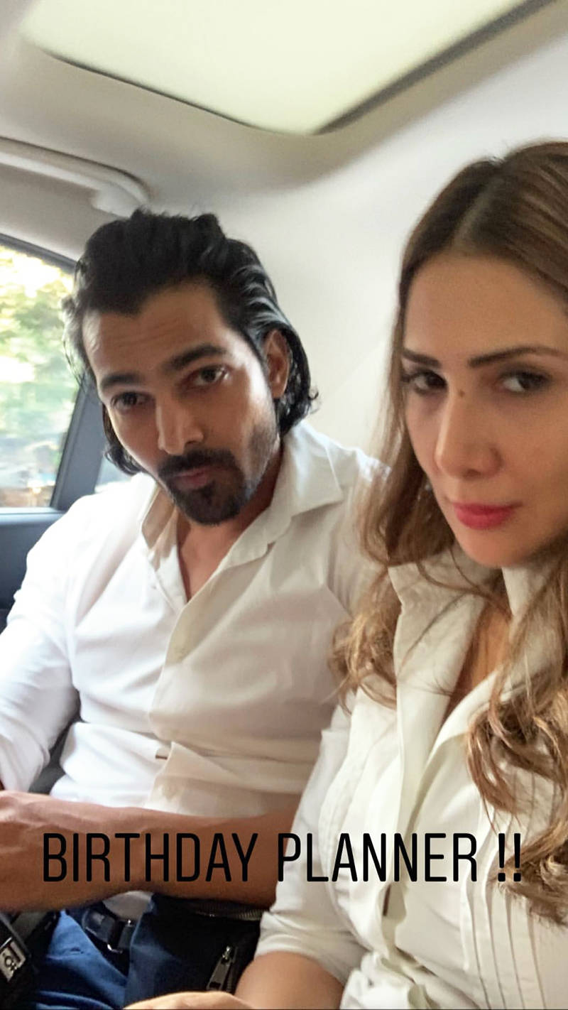 Romantic pictures of Kim Sharma and former beau Harvardhan Rane