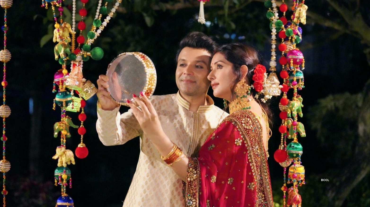 Why Sameksha and Shael Oswal's Karvachauth images have gone viral