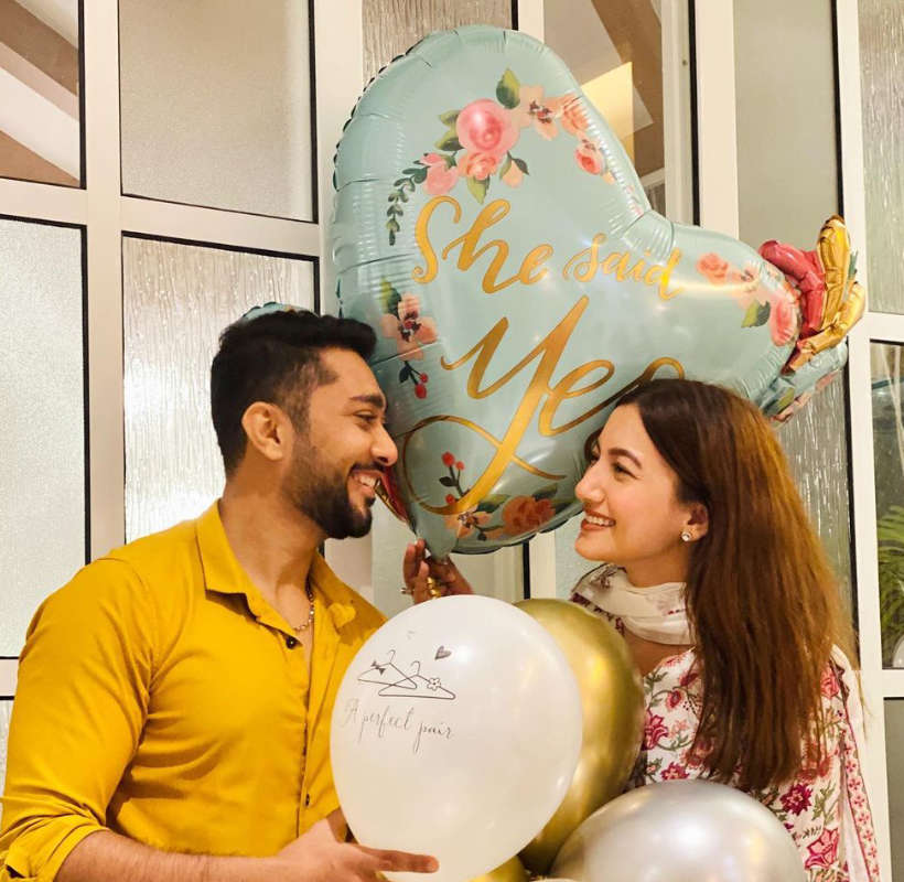 Gauahar Khan gets engaged to boyfriend Zaid Darbar; shares engagement picture