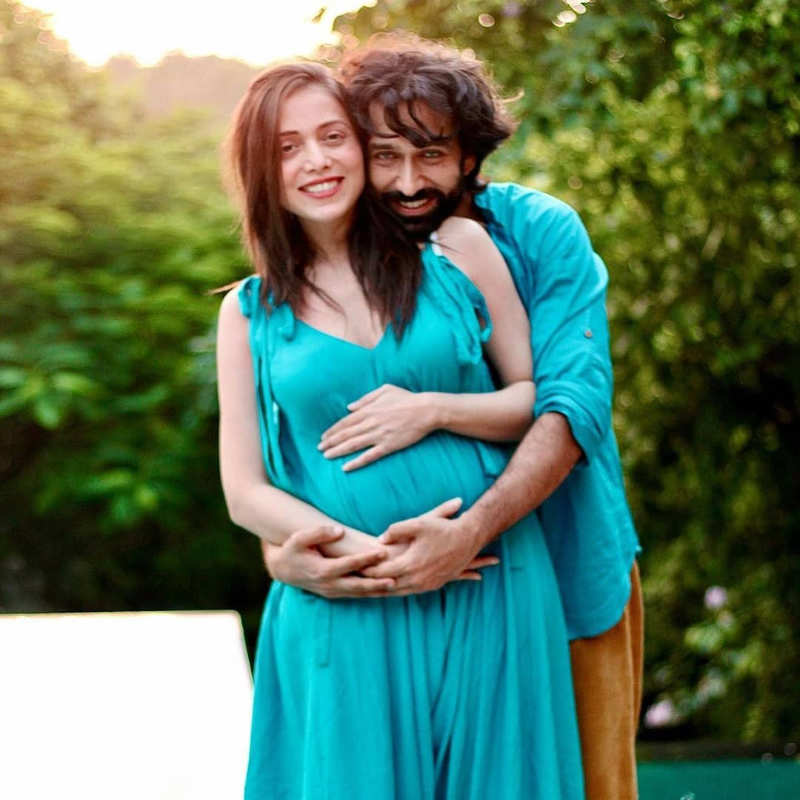 Nakuul Mehta and wife Jankee Parekh announce pregnancy with adorable pictures