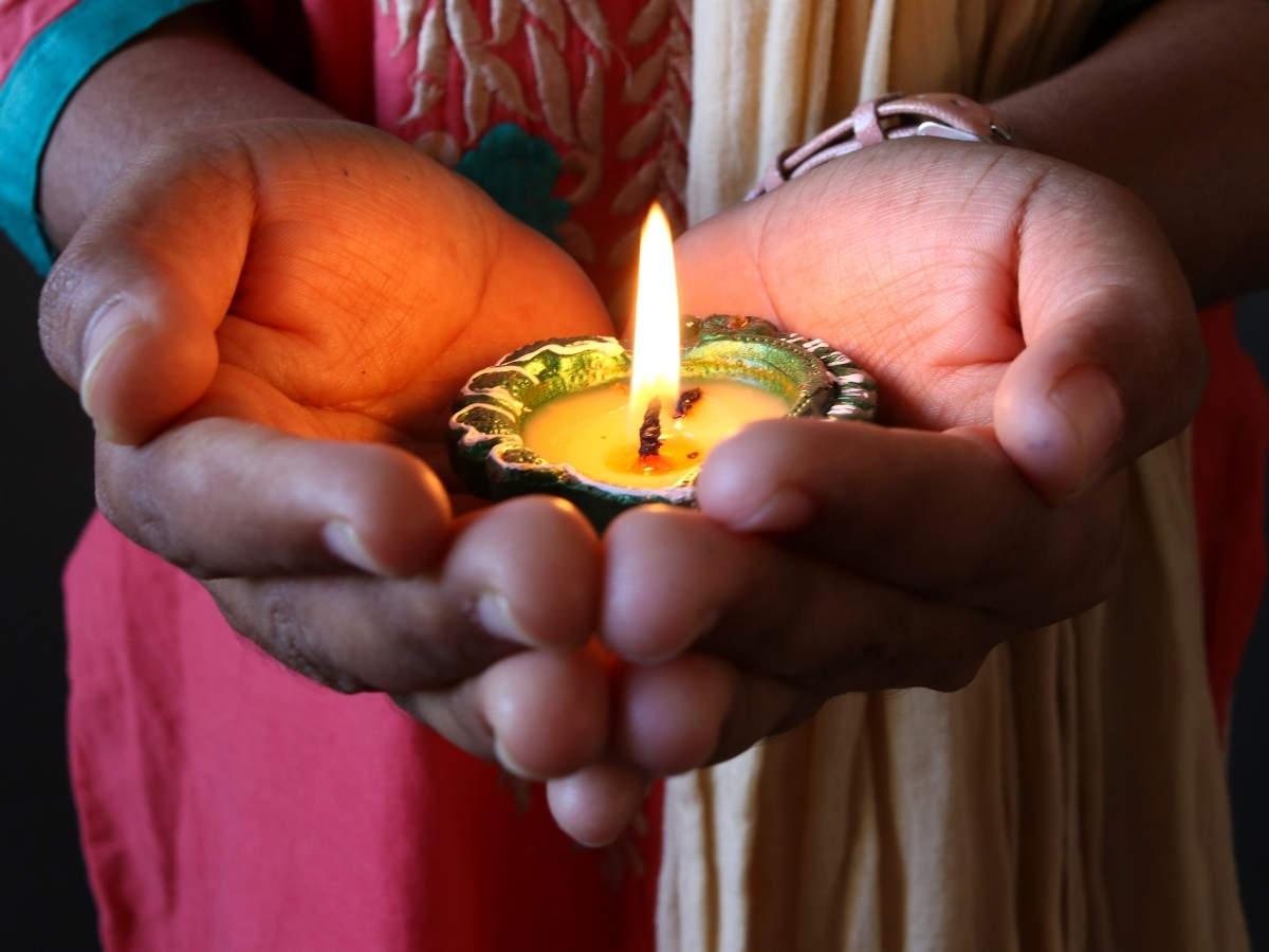 Happy Diwali 2020 Top 50 Diwali Wishes Messages Images And Quotes To Share With Your Loved Ones Times Of India