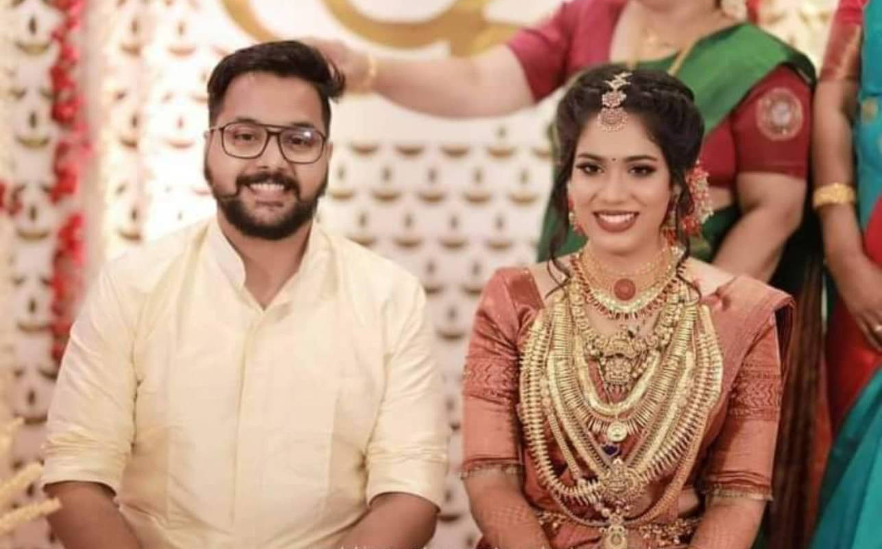 'Kudumbavilakku' actress Athira Madhav ties the knot with long-term boyfriend Rajeev Menon