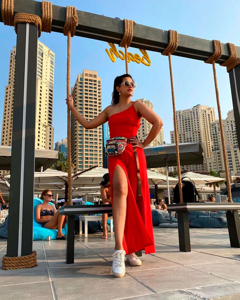 Amazing pictures from Dalljiet Kaur's Dubai vacation will make you pack your bags!