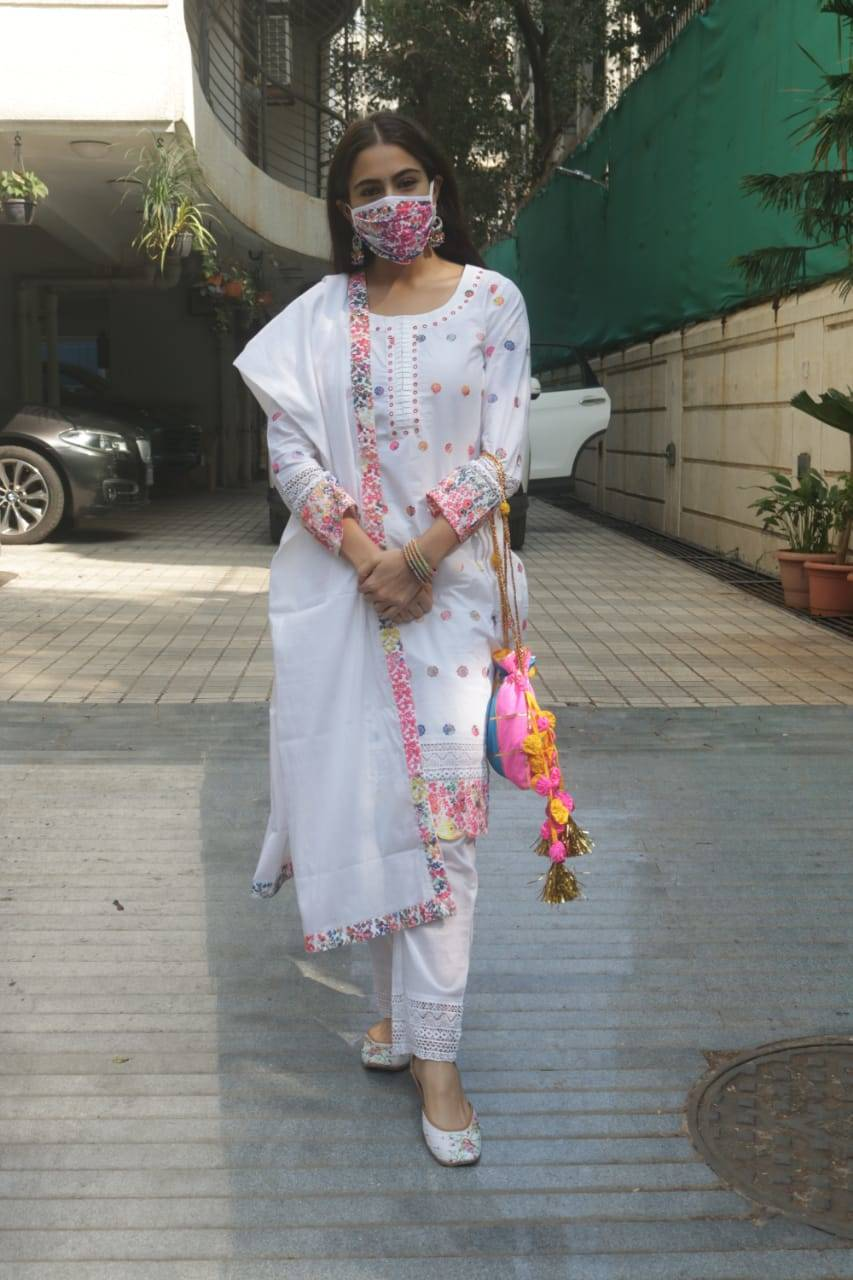 Photos: Sara Ali Khan looks like a vision in her white traditional attire as she gets snapped outside a studio in the city   Hindi Movie News - Times of India