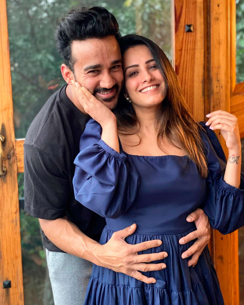 Romantic pictures of Yeh Hai Mohabbatein's Anita Hassanandani and hubby