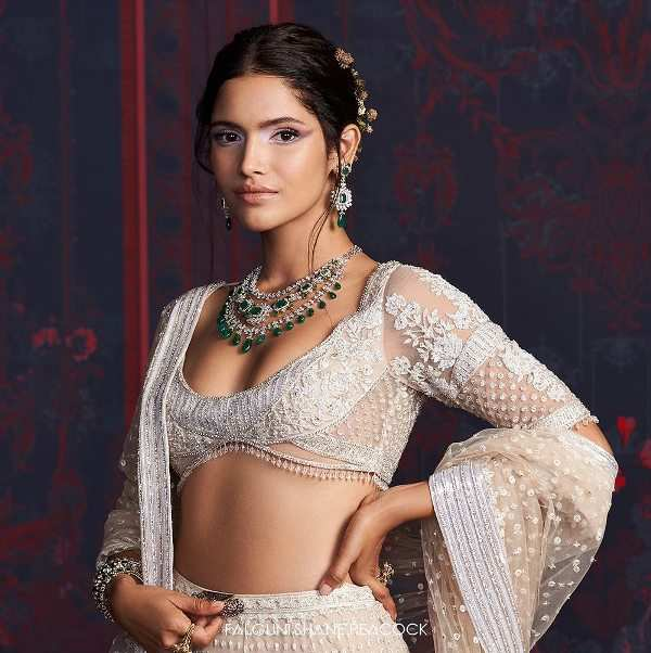 Vartika Singh sets hearts racing with Falguni & Shane Peacock's bridal collection