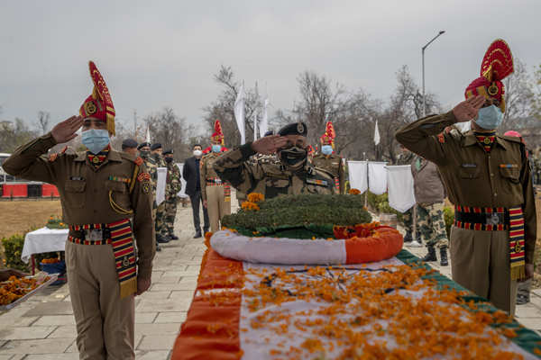 Wreath laying ceremony of BSF soldier held in Srinagar