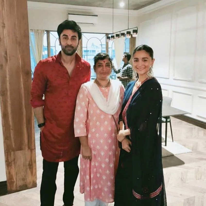 Viral pictures from Alia Bhatt and Ranbir Kapoor's Diwali celebration