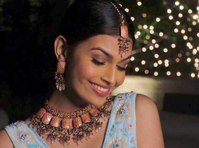 Suman Rao shining bright in festive light