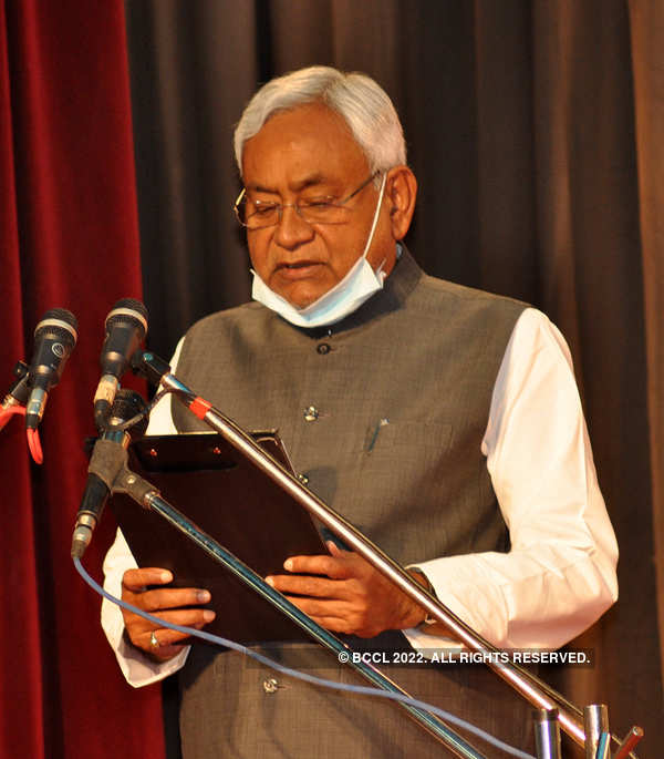Nitish Kumar takes oath as Bihar CM