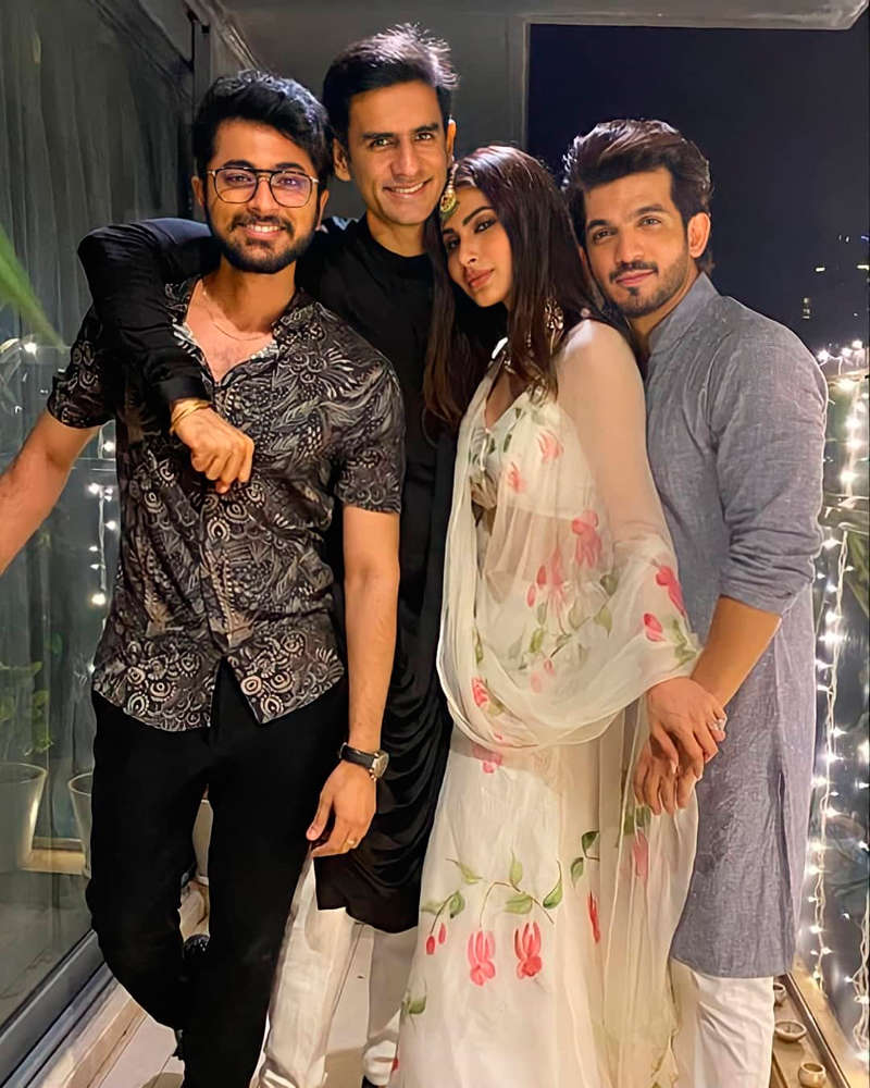 Inside pictures from Aamna Sharif's starry Diwali party