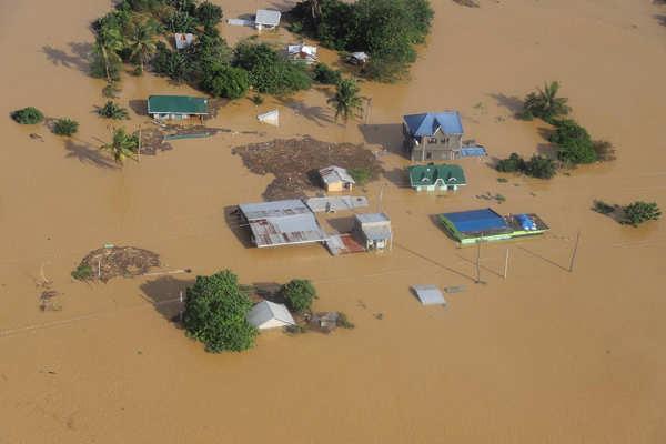 Floods wreak havoc in Philippines