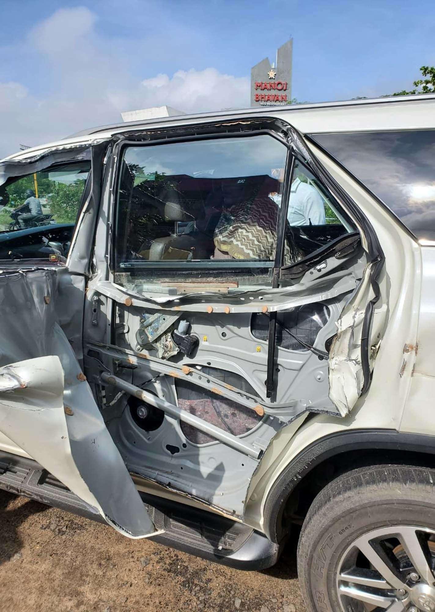 Actor turned politician Khushbu Sundar shares her shocking car accident pictures on social media