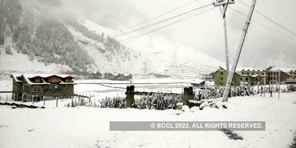 J&K, Himachal receive fresh snowfall
