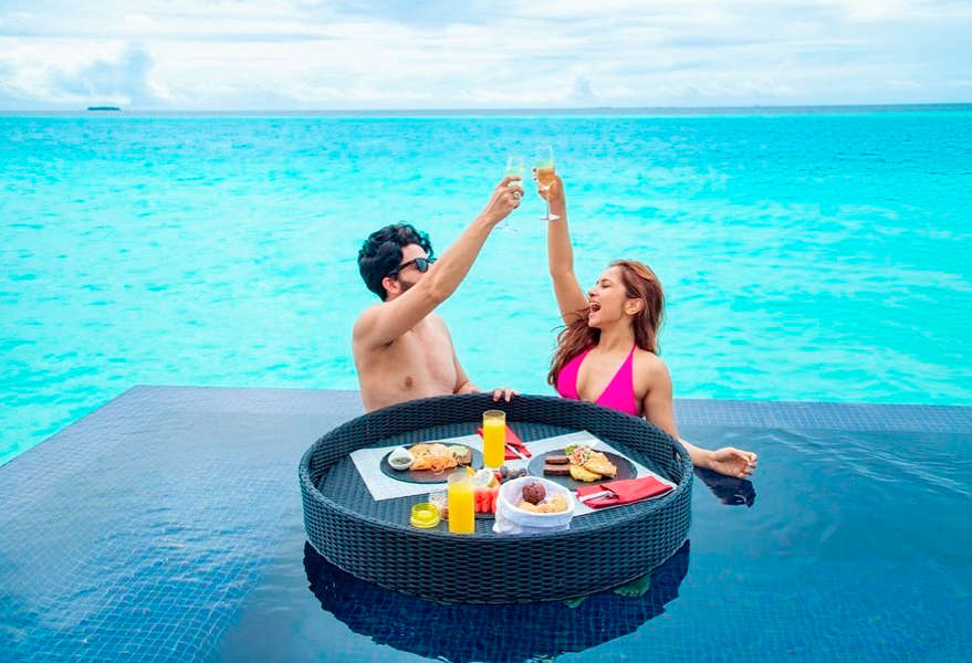 Dheeraj Dhoopar and Vinny Arora Dhoopar's Maldives getaway is giving us major travel goals