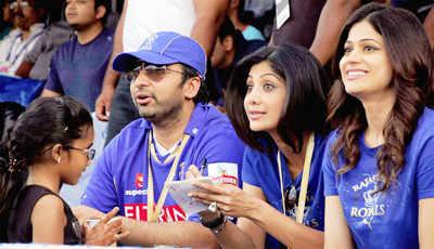Shilpa, Raj celebrate RR victory