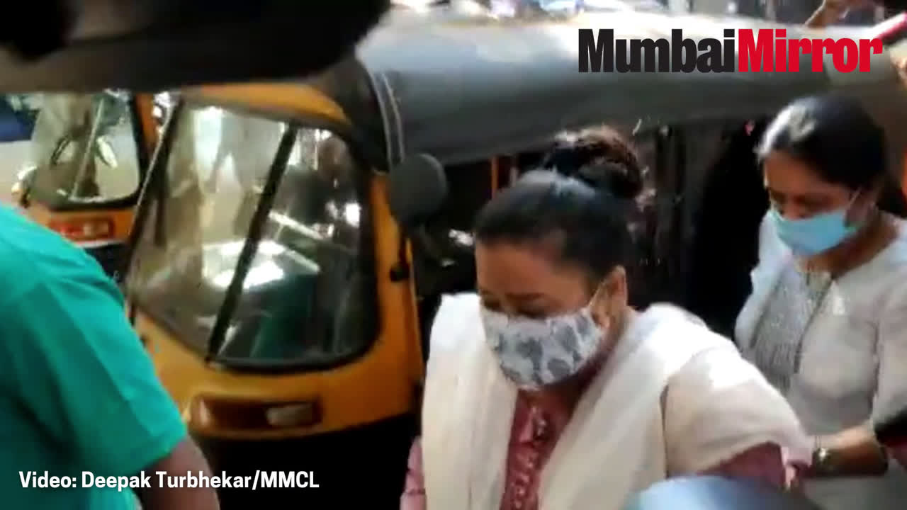 Bollywood drugs case: Comedian Bharti Singh reaches NCB office in Mumbai