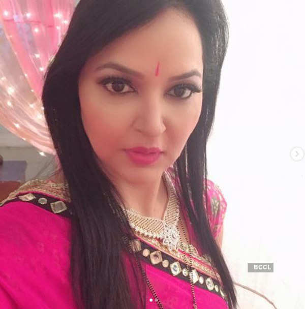 After death, pictures of TV actress Leena Acharya go viral