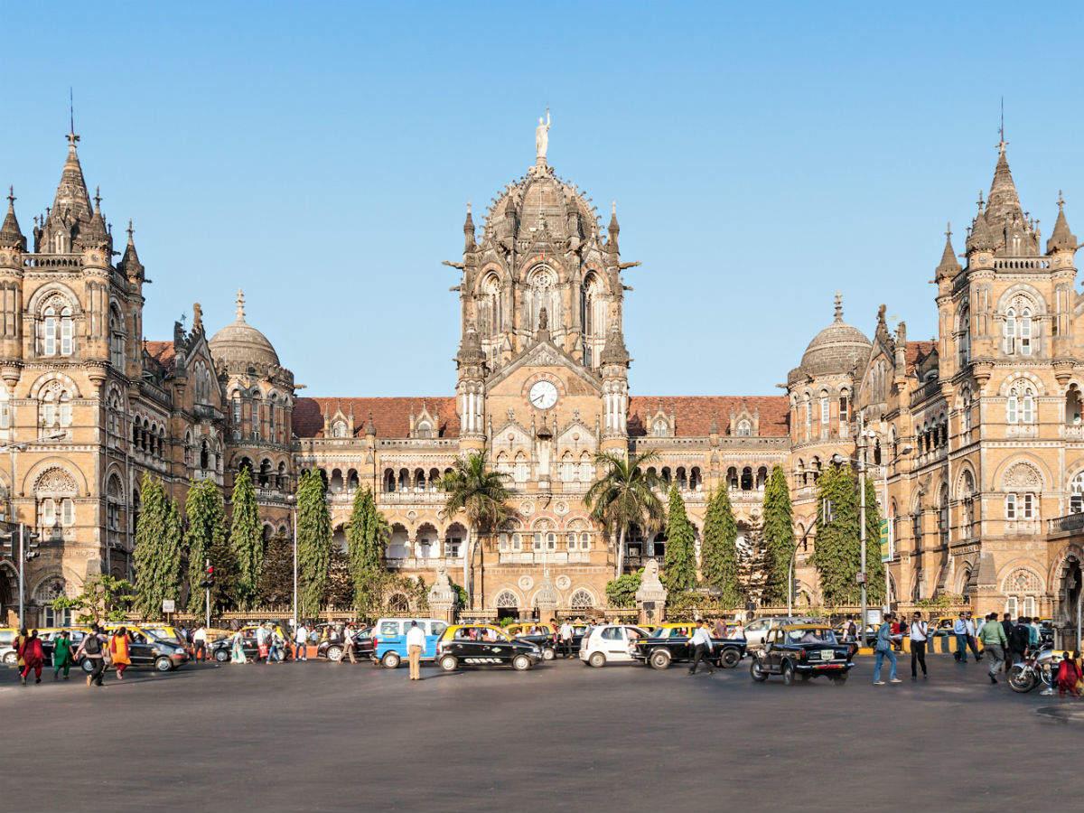 COVID: Flights and trains not suspended between Delhi-Mumbai