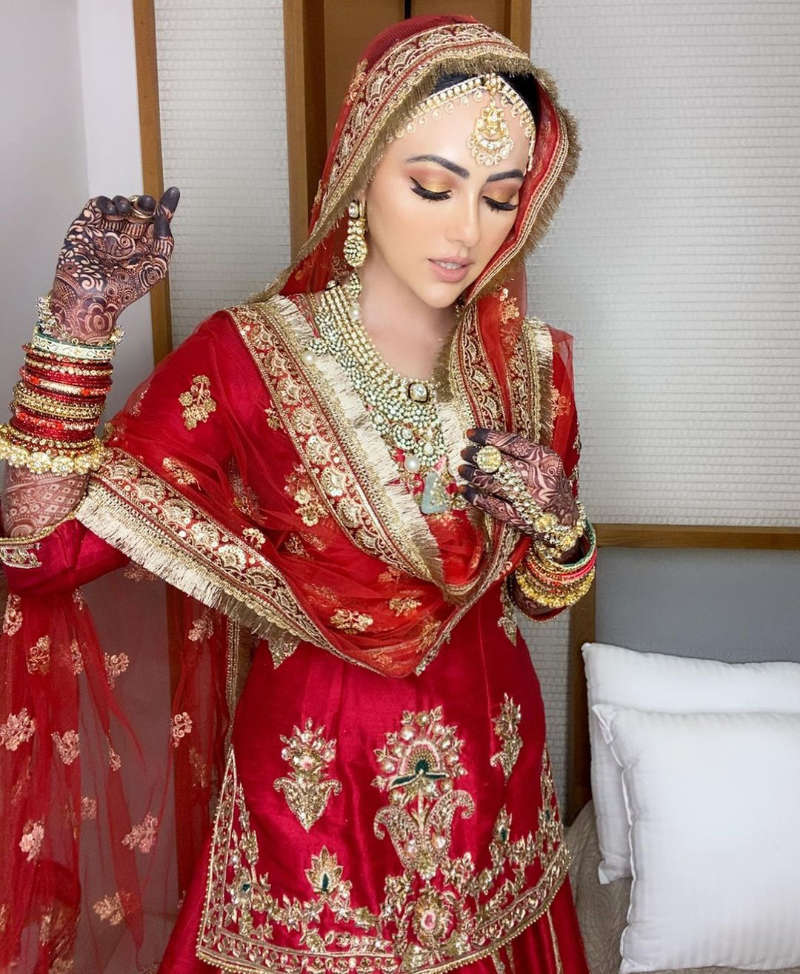New loved-up pictures of newly-married Sana Khan & her hubby