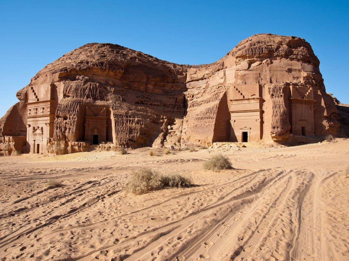 Saudi Arabia: Al-Ula is now officially open to visitors, opens bookings