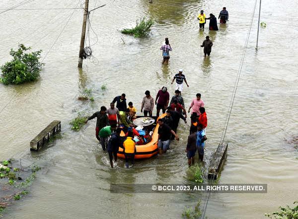 Cyclone Nivar slams southern coast; three killed