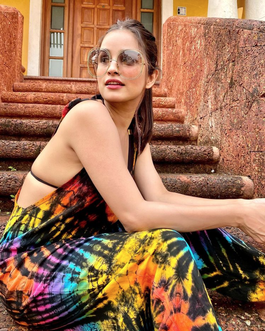 Actress Chetna Pande is on a travelling spree & making us jealous with her sumptuous pictures