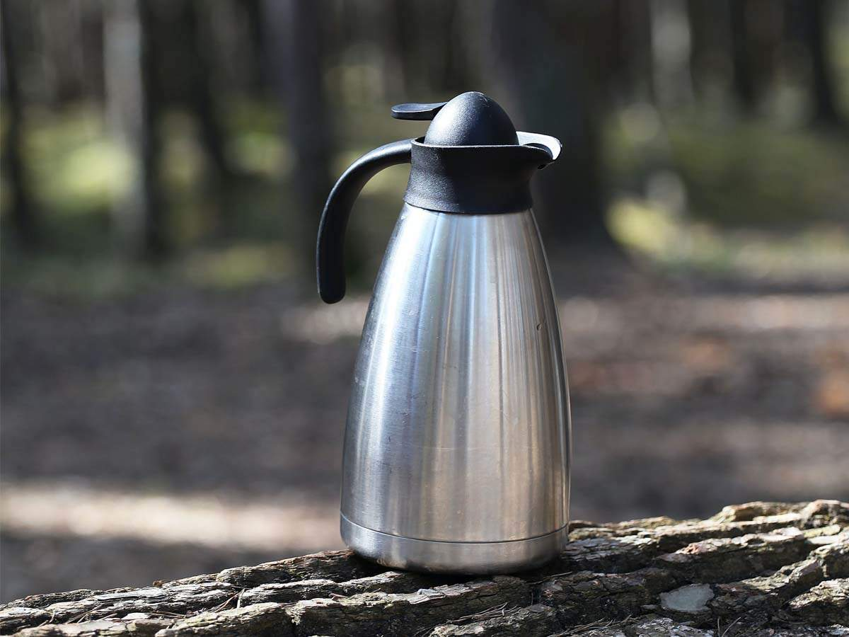 Insulated teapots for serving and storing hot beverages