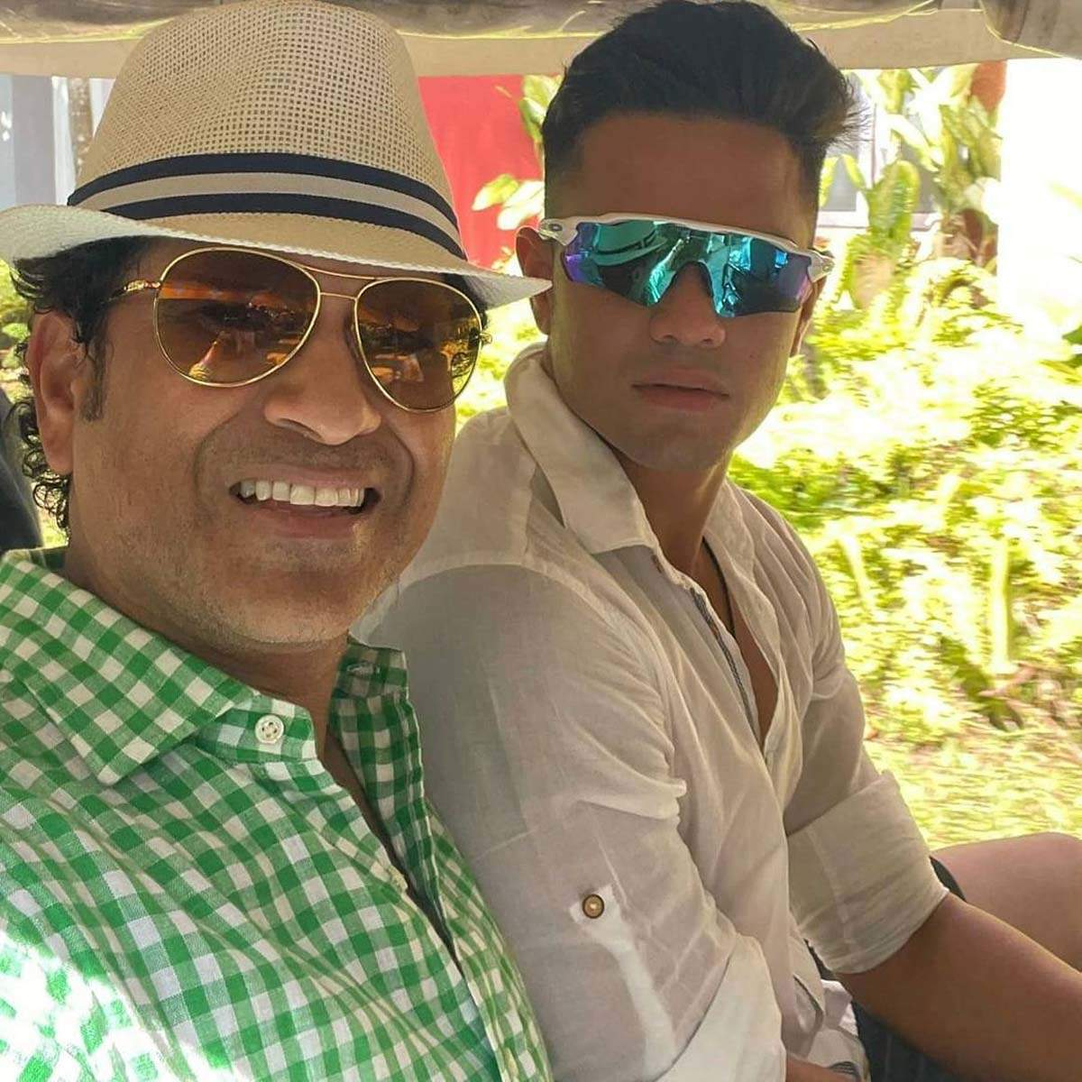 Sachin Tendulkar's latest vacation pictures leave netizens burning with curiosity