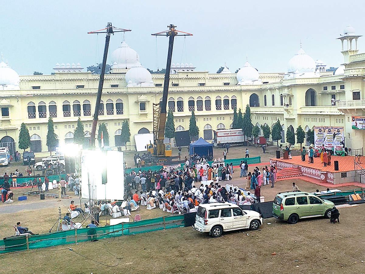 The scene being shot at the Arts Quadrangle in LU (BCCL/ Aditya Yadav)