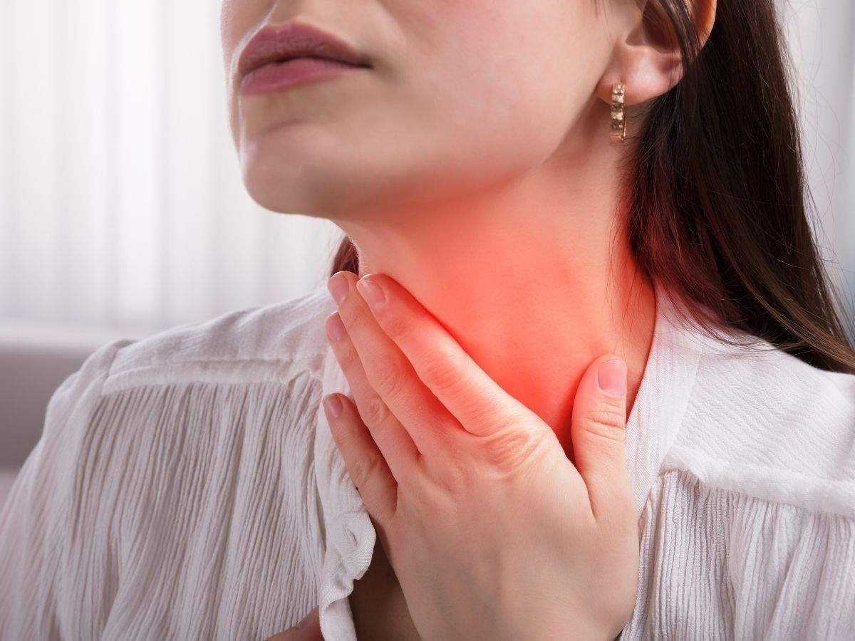 Random sore throat vs. COVID sore throat: How to tell the