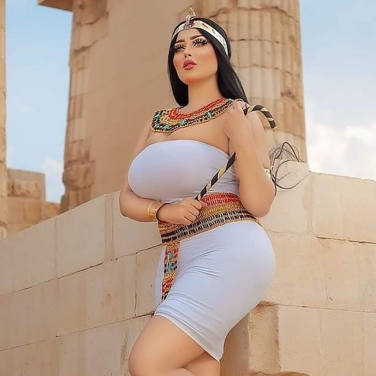 Egyptian model Salma Al-Shimi arrested for indecent photoshoot in front of the pyramid