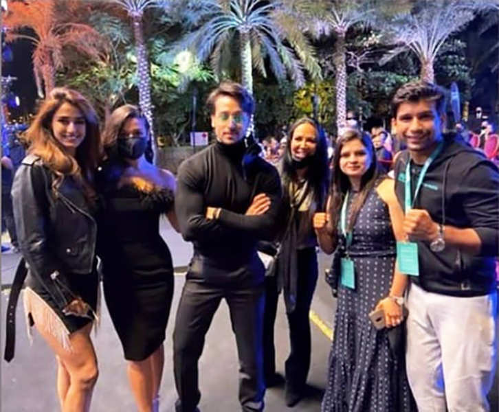 New pictures of rumoured lovebirds Disha Patani & Tiger Shroff chilling in Dubai