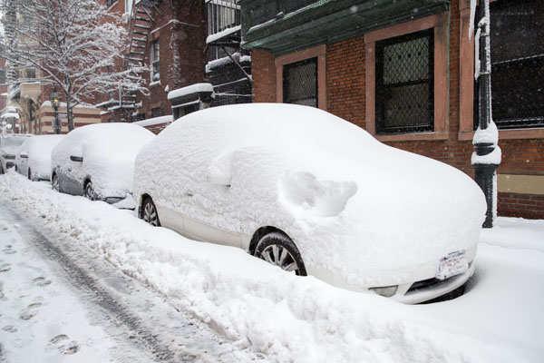 Massive snowfall wreaks havoc in US Northeast