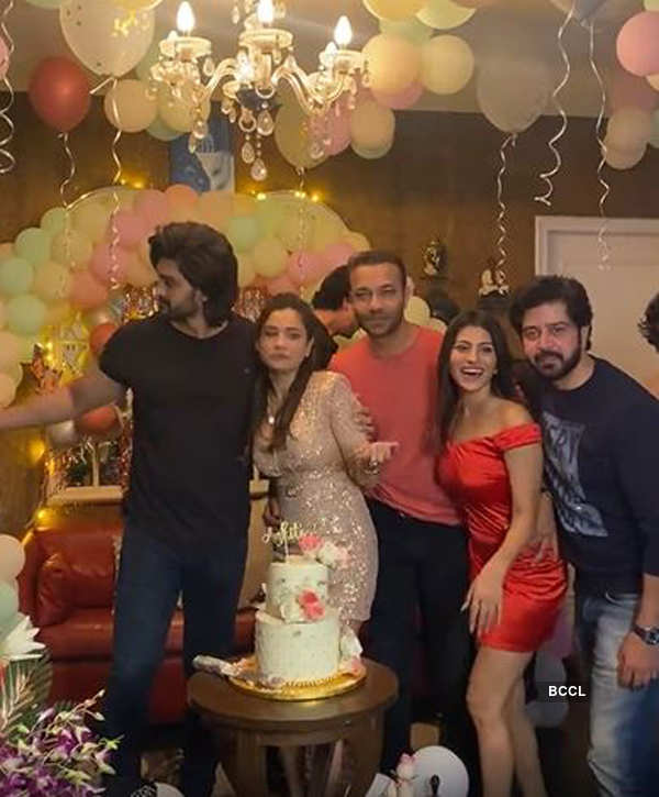 Inside pictures of Ankita Lokhande's high-octane birthday party