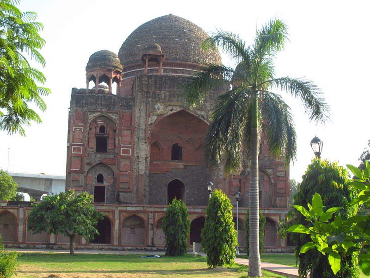 Symbol of conjugal love, tomb of Abdul Rahim Khan-e-Khanan reopens in Delhi
