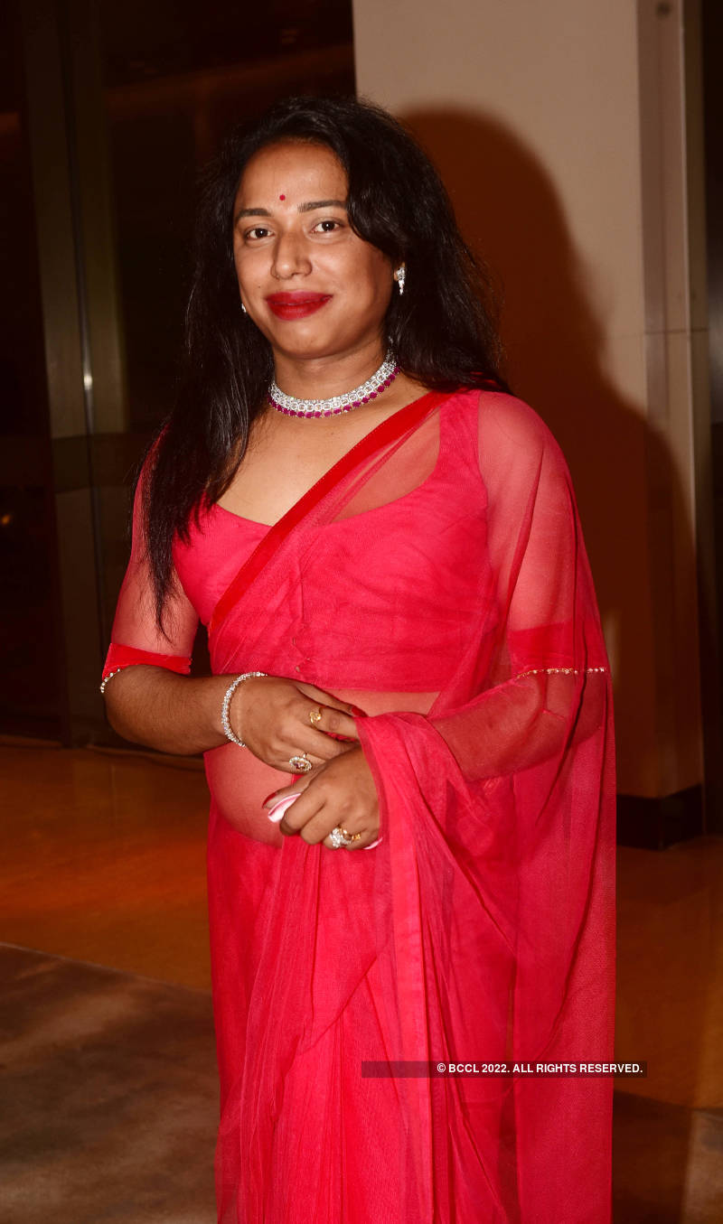 Makeup artiste Jaanmoni Das marks decade in industry with a grand party