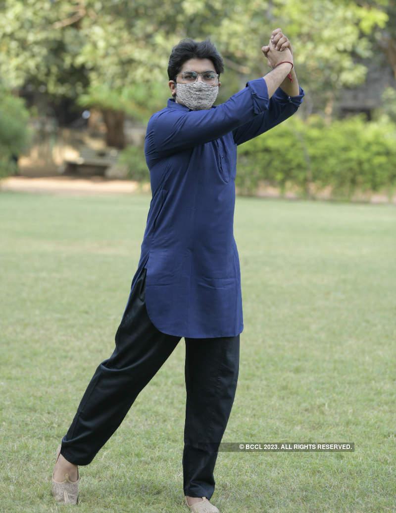Actor Malhar Thakar gears up for Navratri